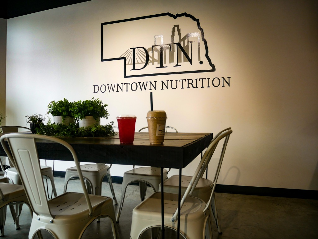 Indoor seating at Downtown Nutrition.